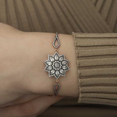Gumush - Gümüş Çiçek Desenli Elmas Montür Bileklik (1)