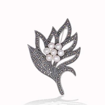Tekbir Silver - Gümüş Markazit Taşlı Yaprak İnci Broş